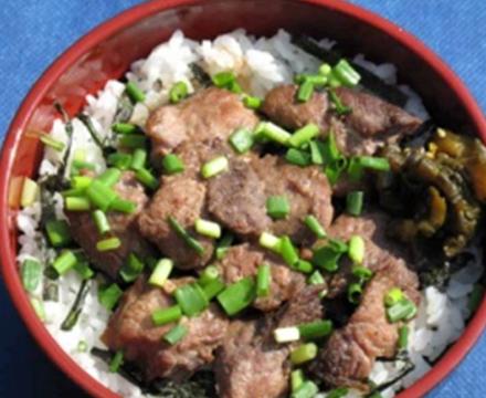 ご当地グルメ系ケータリングカー 三崎マグロのほほ肉丼